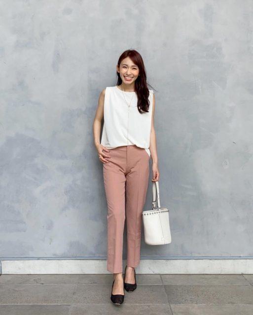 2020年8月のレディースファッショントレンド/01【ノースリーブTシャツ】
